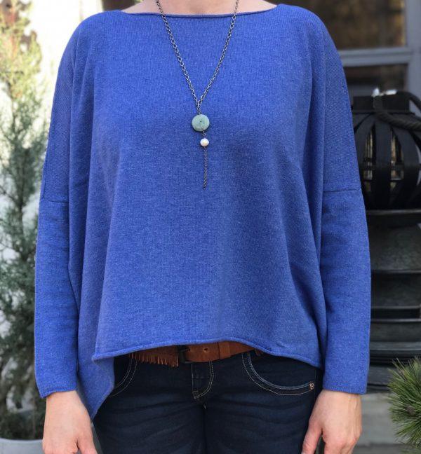 Amelia blue