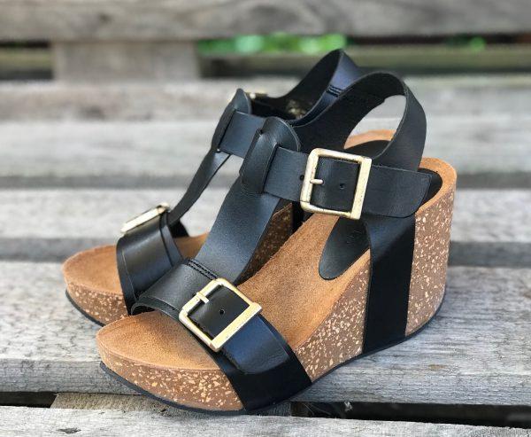 amust sort sandal