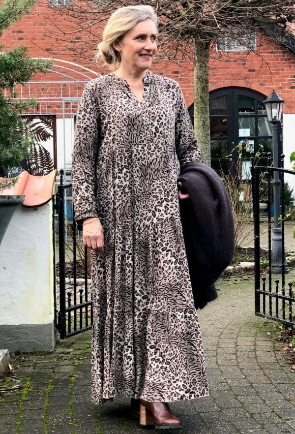 Janne k. Essie dress brown leo